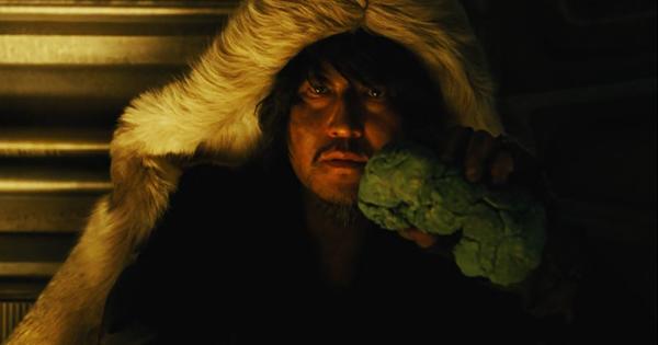 snowpiercer-namgoong-minsoo-bomb-kang-ho-song-review-movie